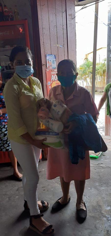 Fundación Hogar Luceros del Amanecer en conjunto al equipo de Seeds of Love ha brindado paquetes de primera necesidad a las familias de los niños y niñas que son atendidos en el Hogar Junio 2020.